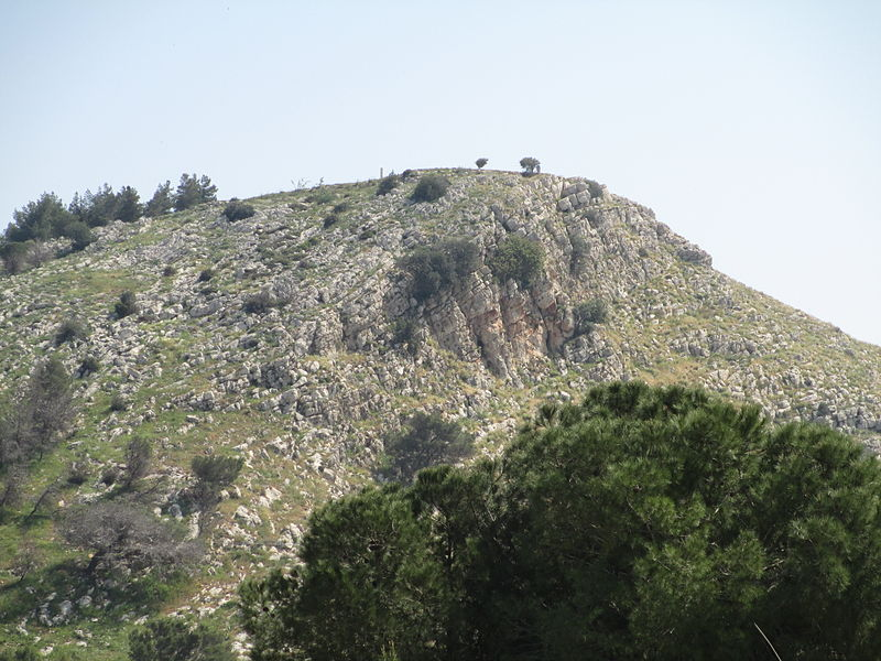 800px-PikiWiki_Israel_30995_Mount_Precipice
